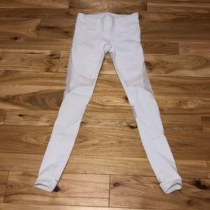ALO White Yoga Legging  sz M